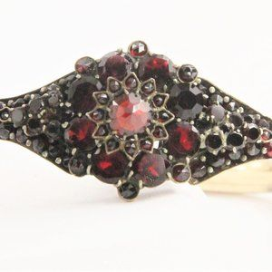 Jewelry - ANTIQUE VICTORIAN BOHEMIAN GARNET BANGLE BRACELET